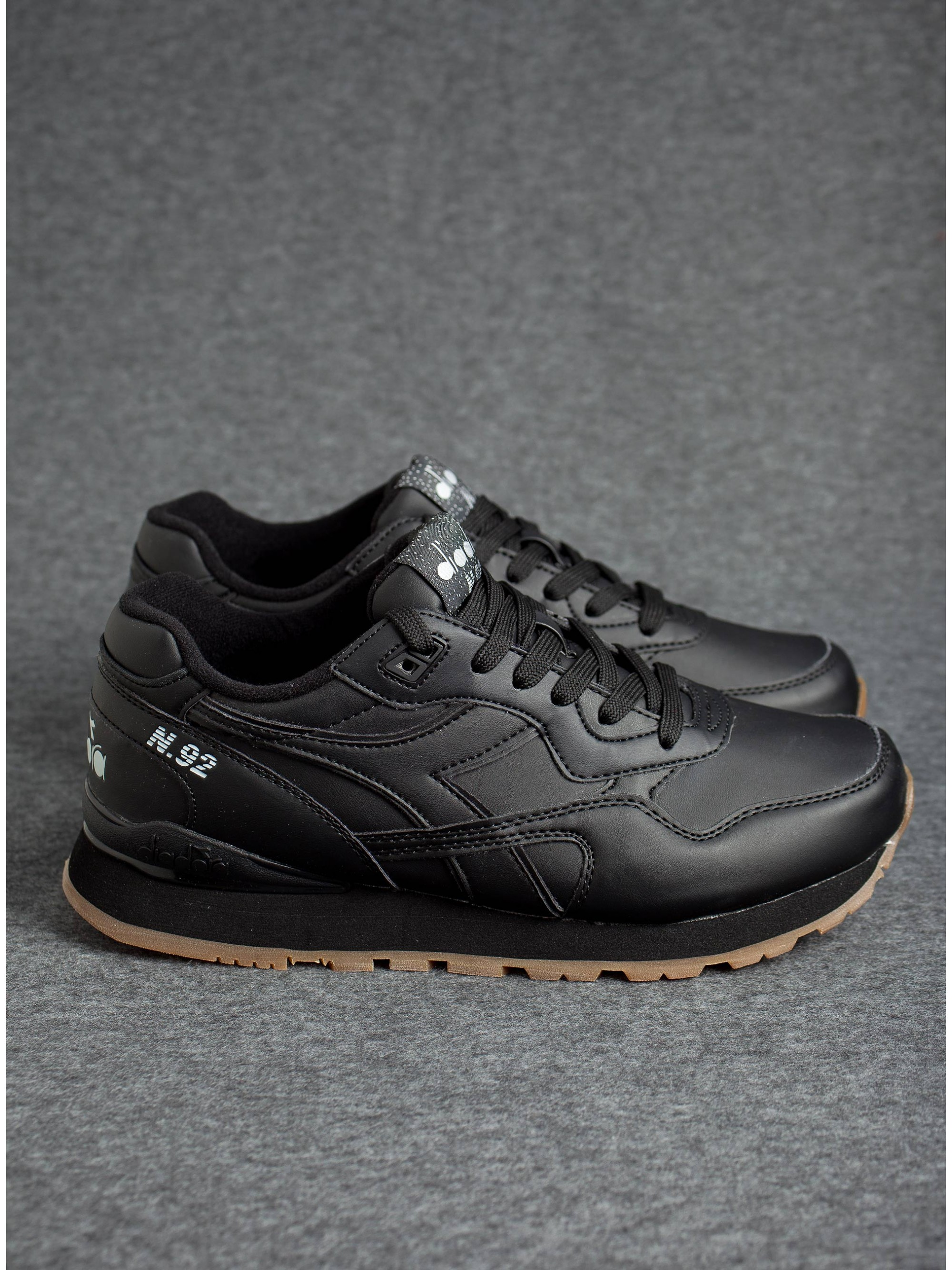 ... Diadora Sneakers N.92-Black. Click to zoom 1f0d5e5f816