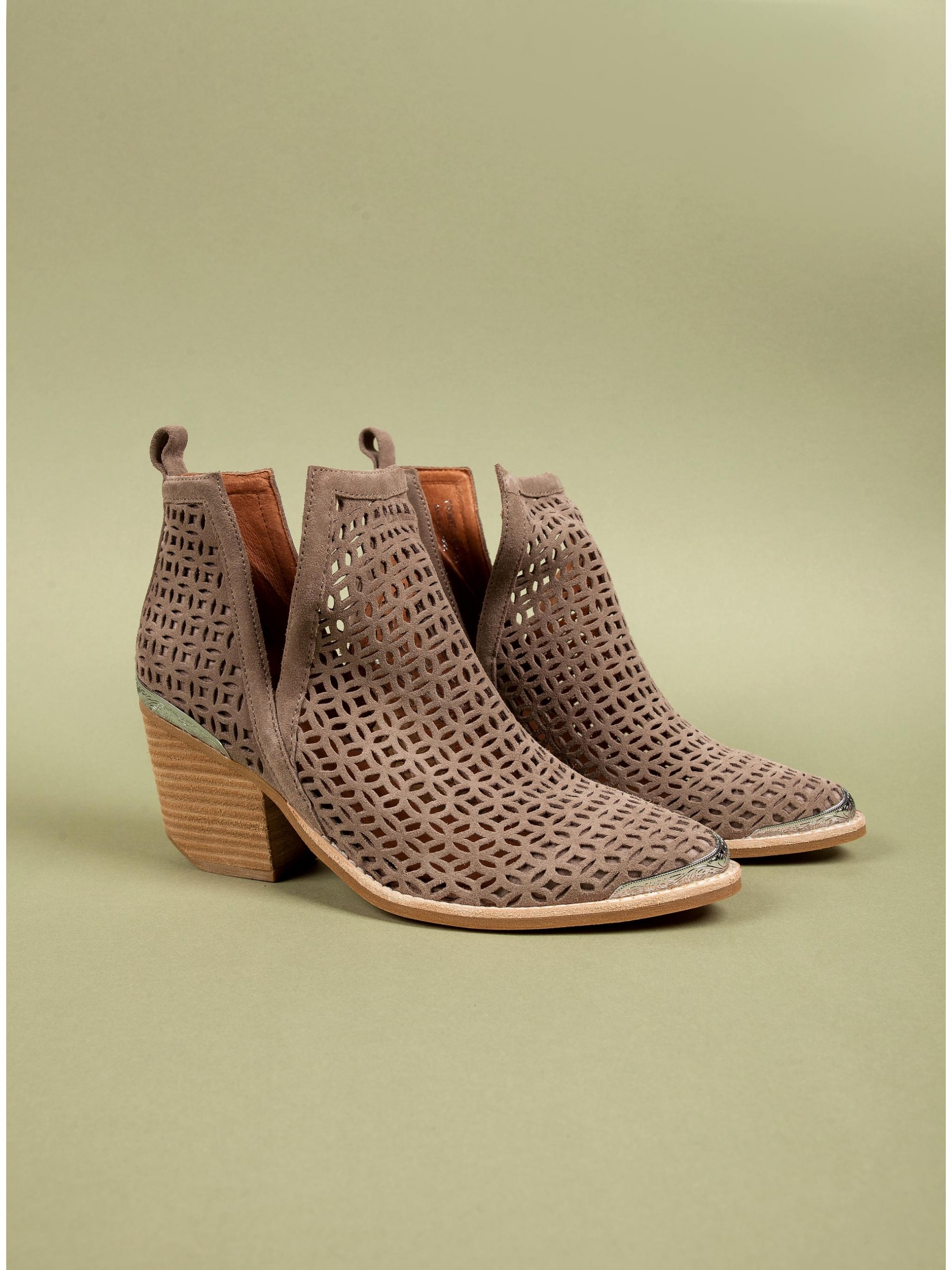 b097d38a6637 Jeffrey Campbell Ankle Boots Comwell-Beige - Women