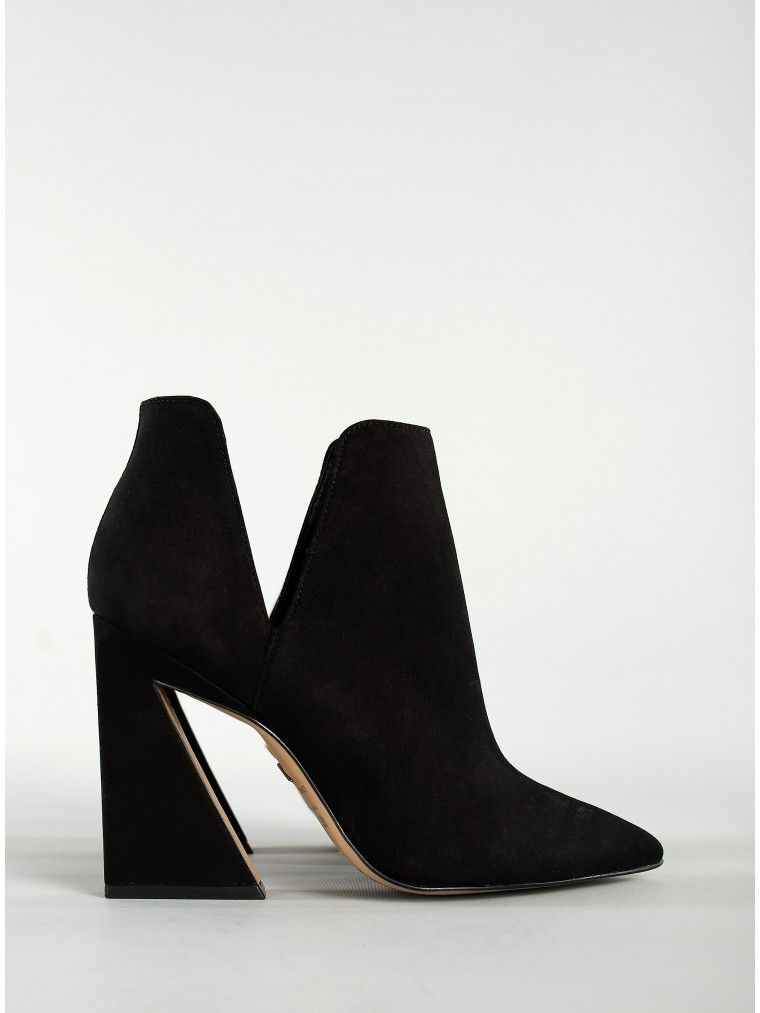 Carrano Ankle Boots-Black